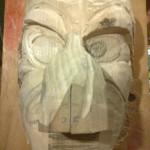Aller Anfang ist schwer - bei den Löffinger Hexen müssen die Anwärter ihre Maske selber schnitzen!