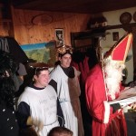 Die Frischlinge in ihrer Rolle als Knecht Ruprecht, Engel und Nikolaus.